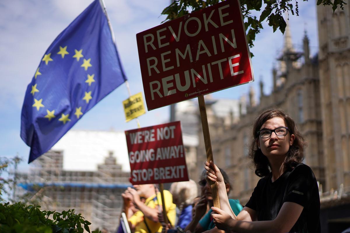 Min Britte keer die parlementsgebrek voor die maand voor Brexit terug