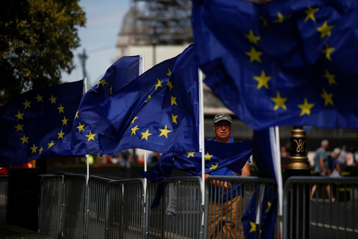 Die EU se sagter toon 'n poging om die skuld te weerspieël in die geval van 'n Brexit-ooreenkoms