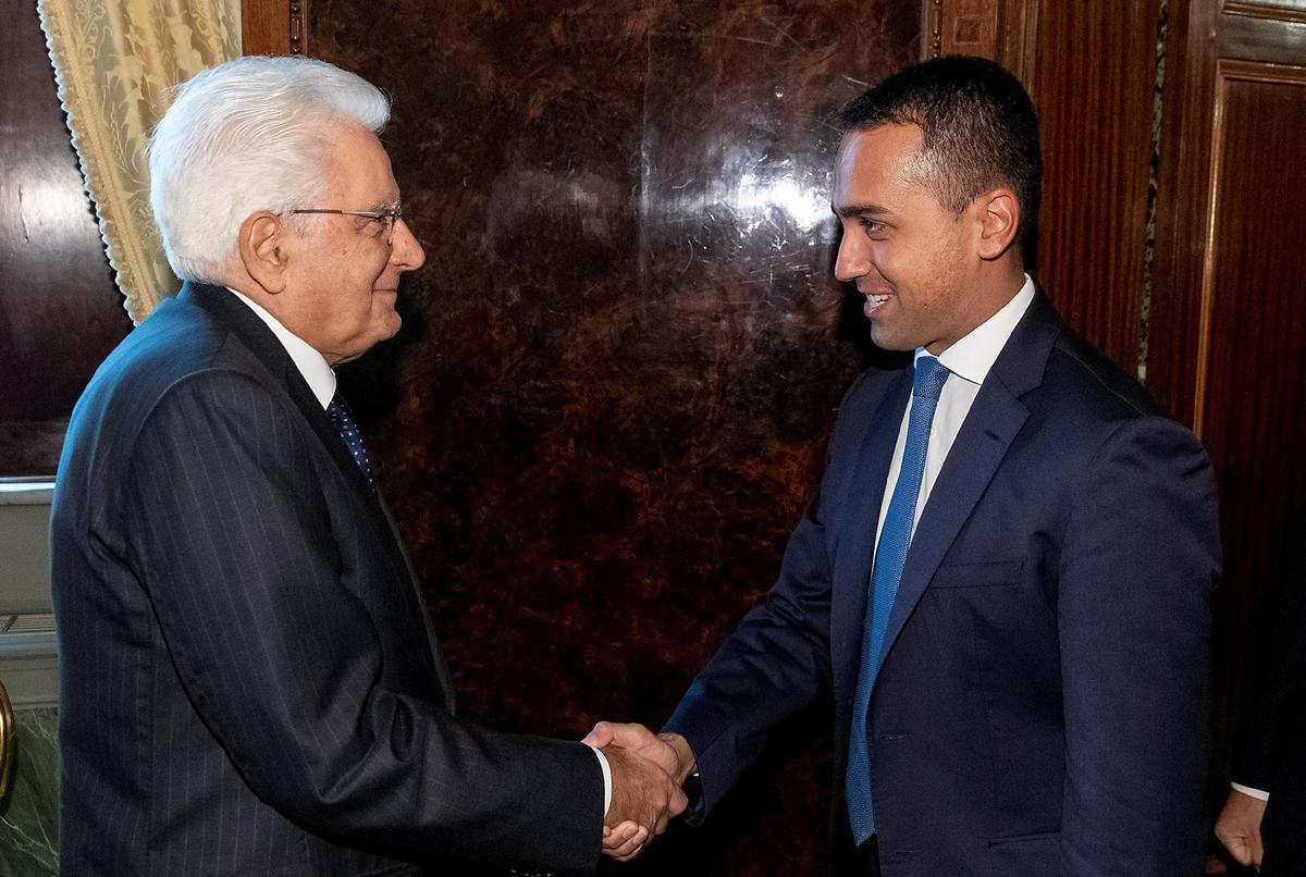 Italië se 5-ster vertel dat president die regering met PD het