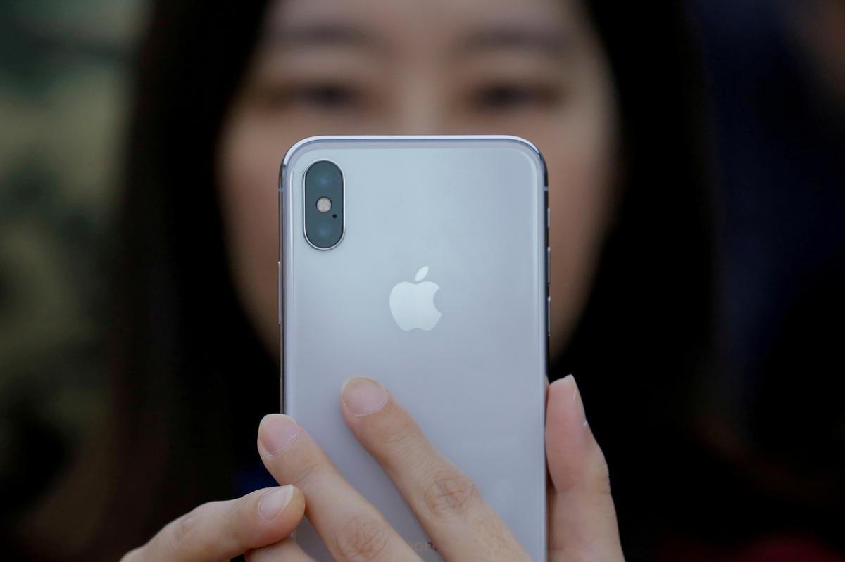 Apple se gegewens toon 'n groter afhanklikheid van China namate Trump se tariewe wag