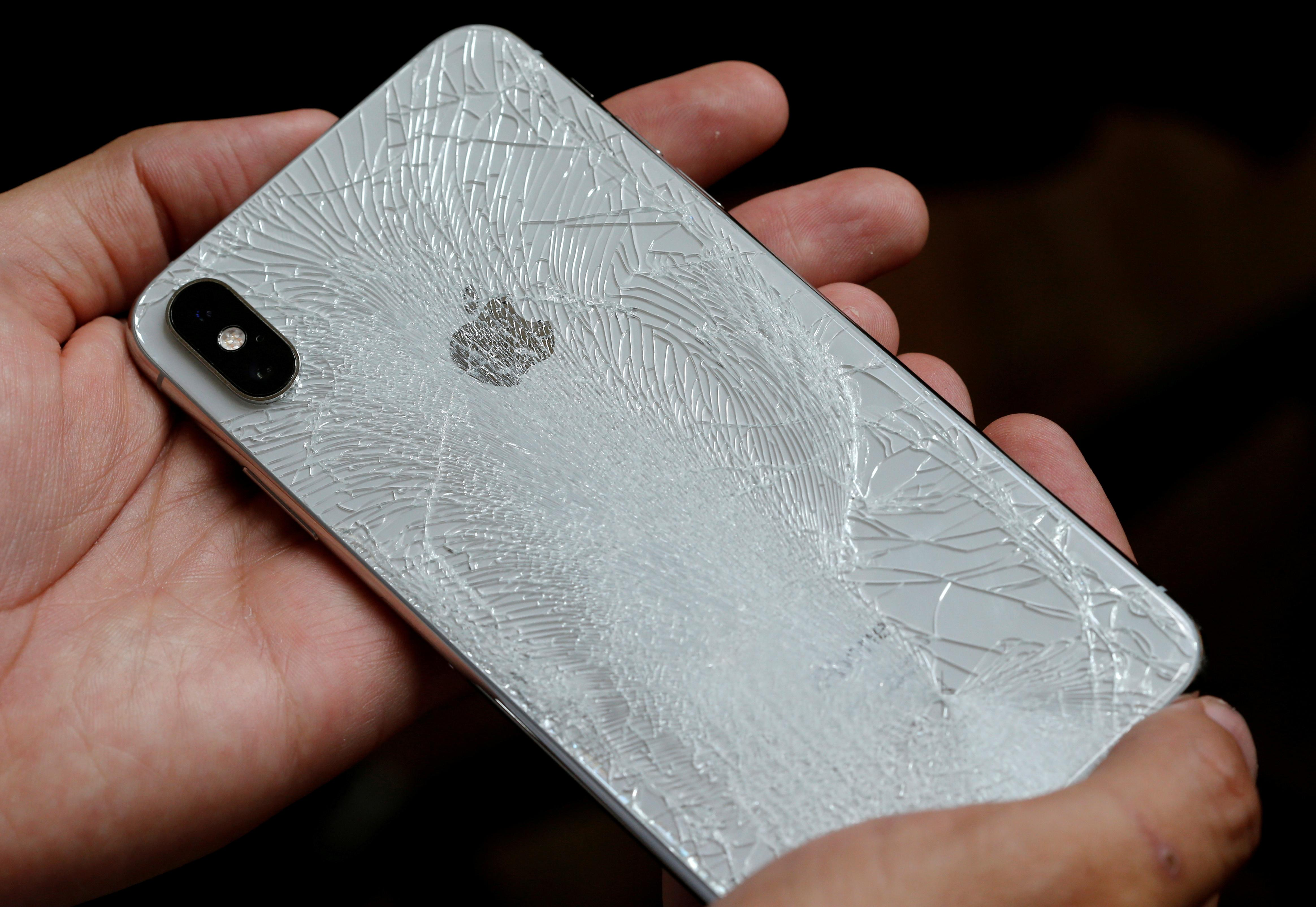 Apple to supply parts to independent repair shops for first time