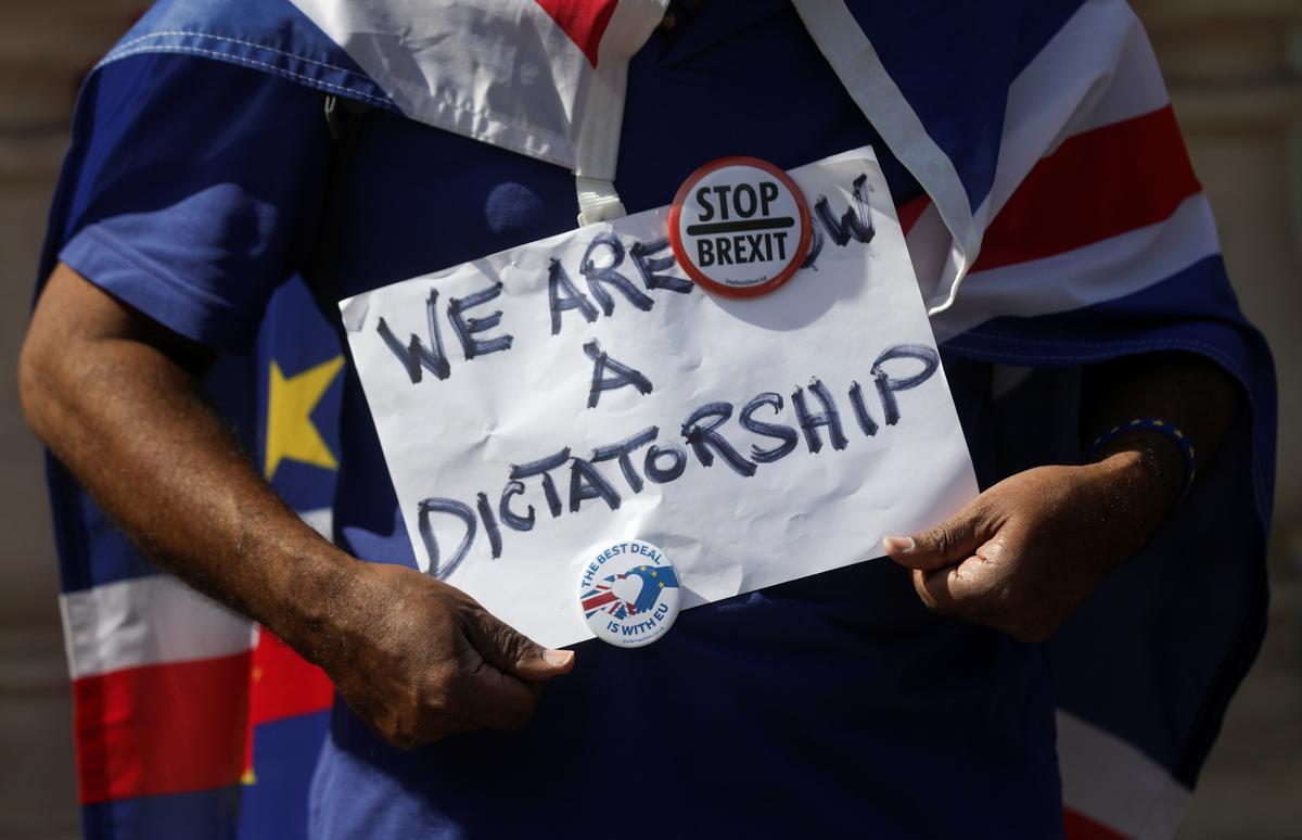 Hoe stop u 'n Brexit sonder enige transaksie? Verander die wet, of verander die regering