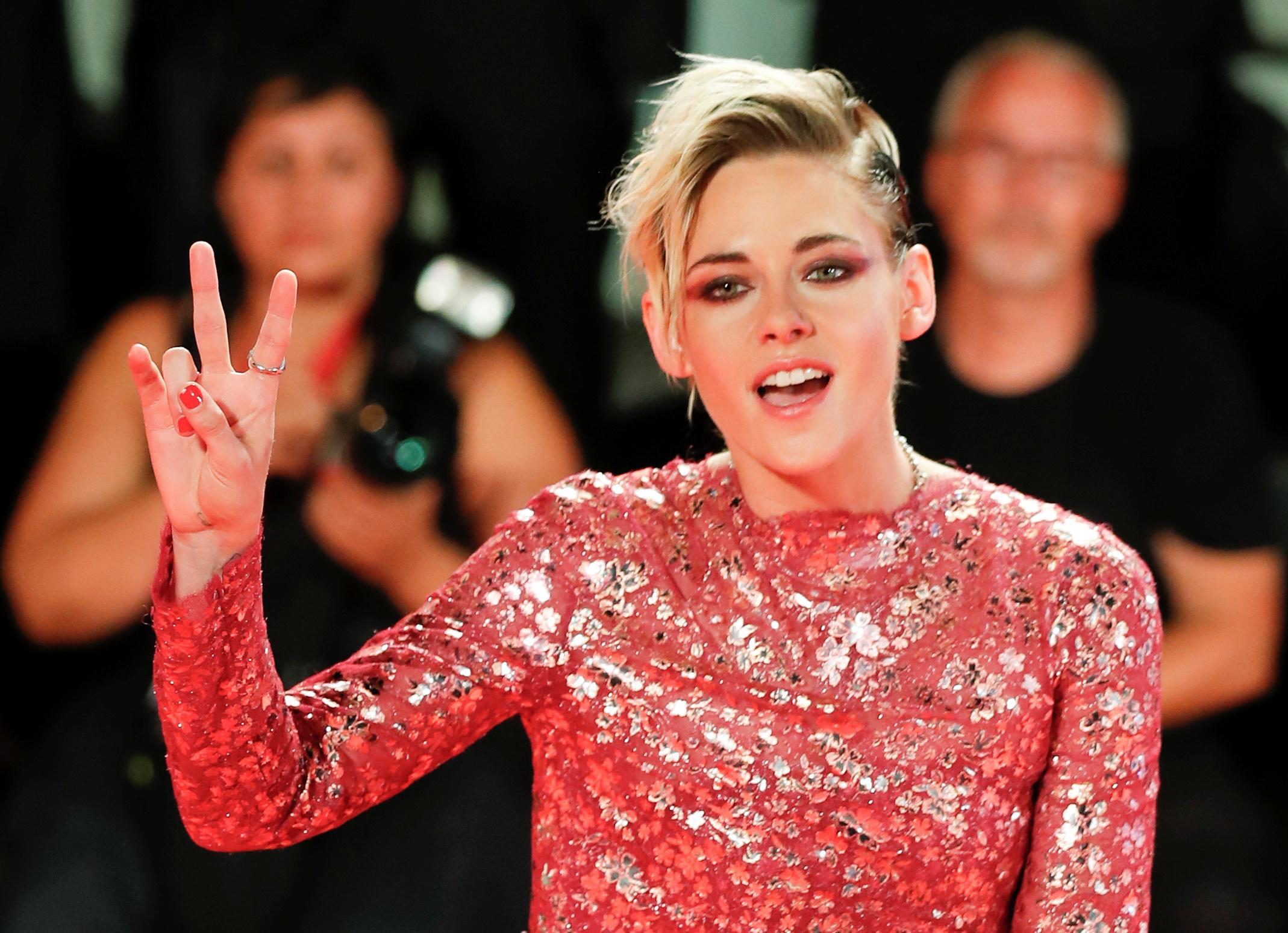 More than a haircut: Kristen Stewart aims to shine spotlight on Jean Seberg