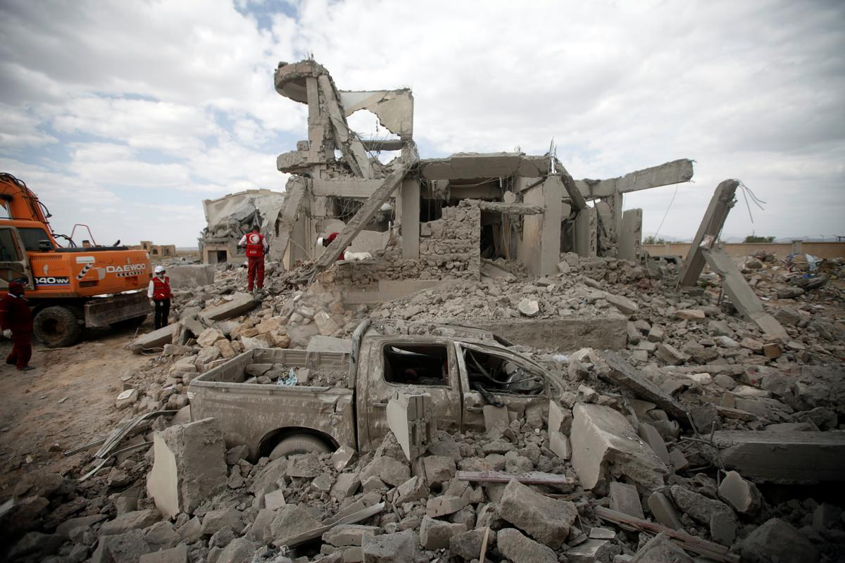 Saudi Arabia struggles to hold Yemen coalition together as allies face off