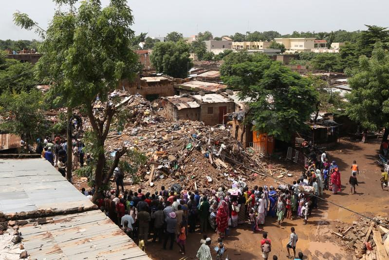 Fifteen dead in building collapse in Mali's capital