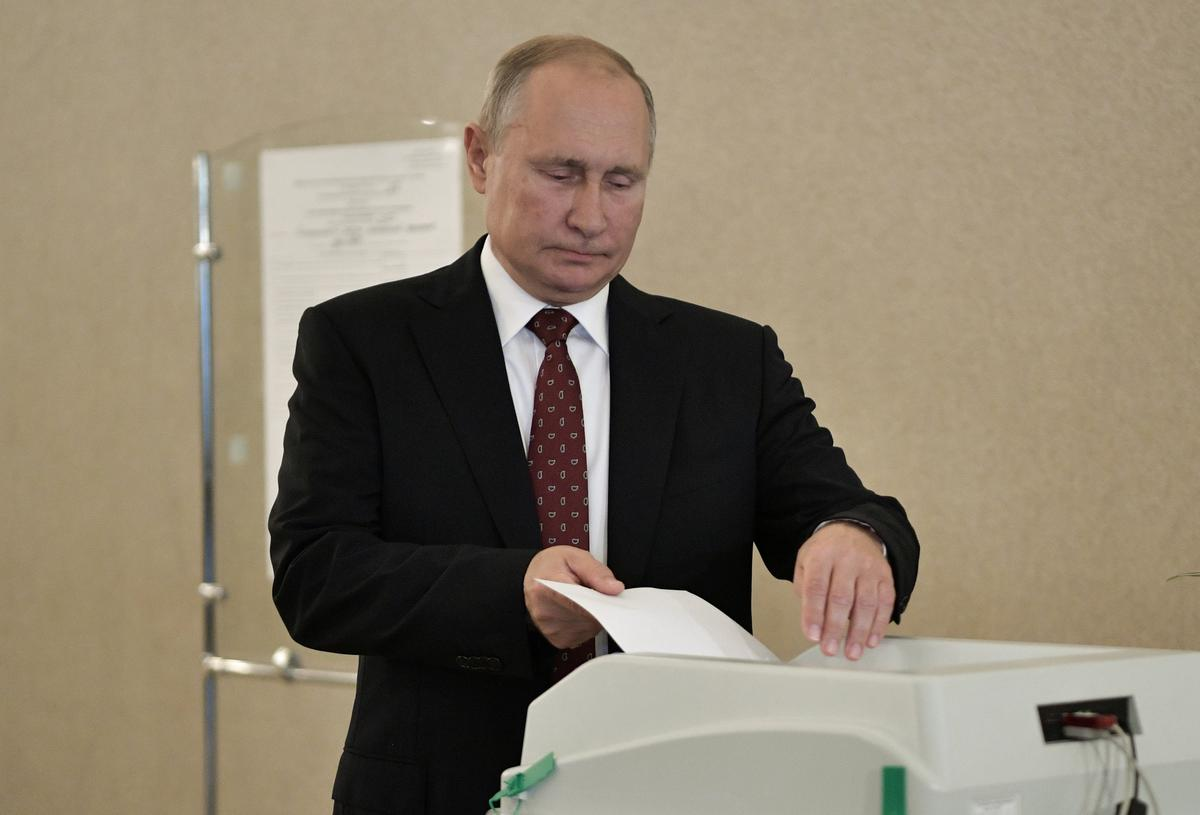 Russia's ruling party loses a third of seats in Moscow election after protests