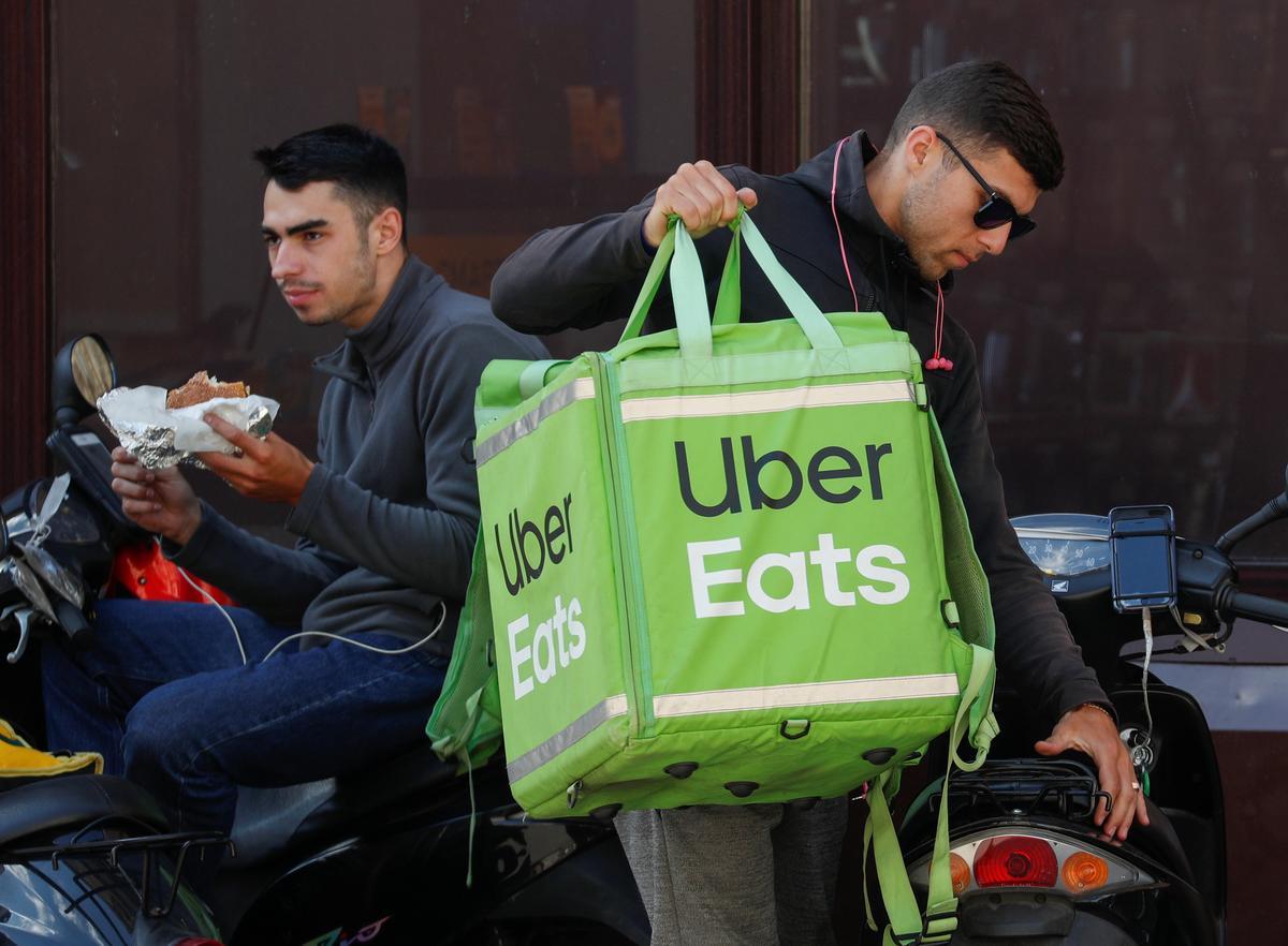 Uber Eats sal te midde van strawwe mededinging uit Suid-Korea onttrek