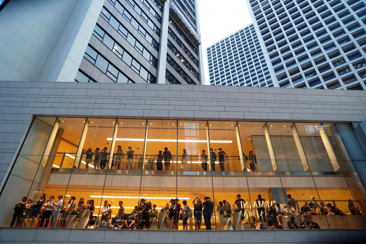 Kantoorverskaffer Die Uitvoerende Sentrum hou verkoop te midde van protesoptrede in Hong Kong: bron
