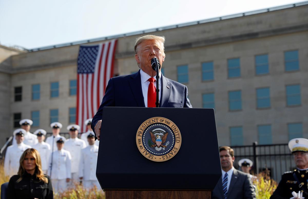 'Ons sal sien wat gebeur,' sê Trump oor moontlike verligting van Iran-sanksies