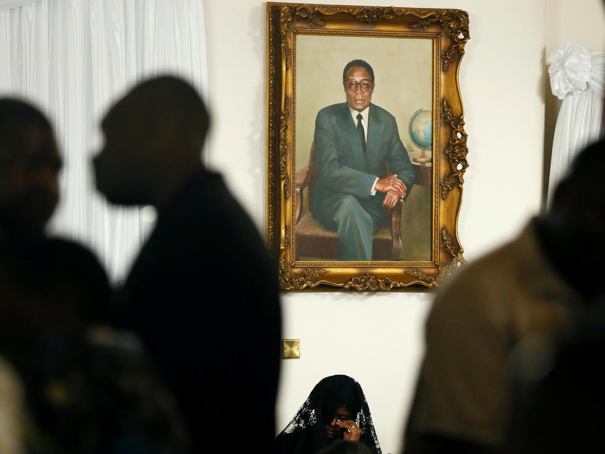 Mugabe se familie sê begrafnis 'iewers volgende week', seremonie privaat