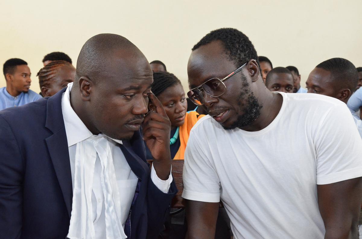 Die Tanzaniese hof verdaag die vierde keer die saak van die vooraanstaande tronkjoernalis