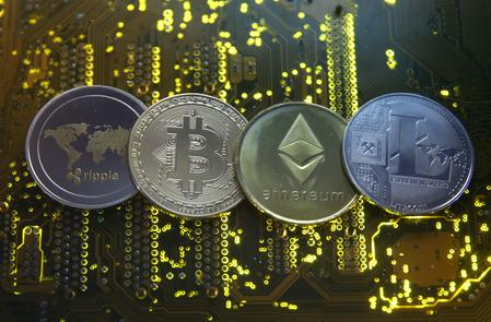 France calls for EU rules on virtual currencies