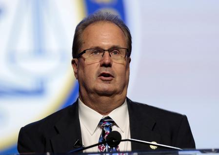 Overshadowed by U.S. corruption probe, UAW, GM near contract deadline