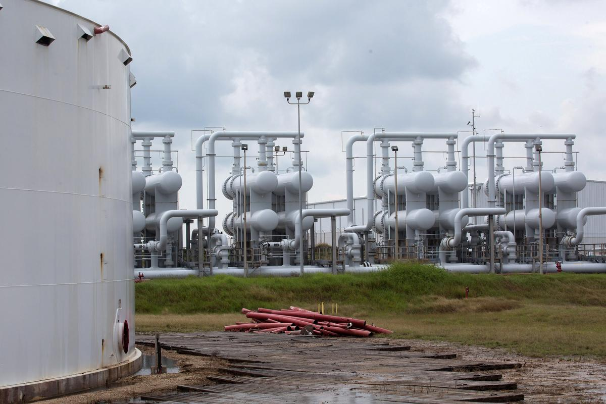 Factbox: Saudi oil attack puts spotlight on global emergency stockpiles