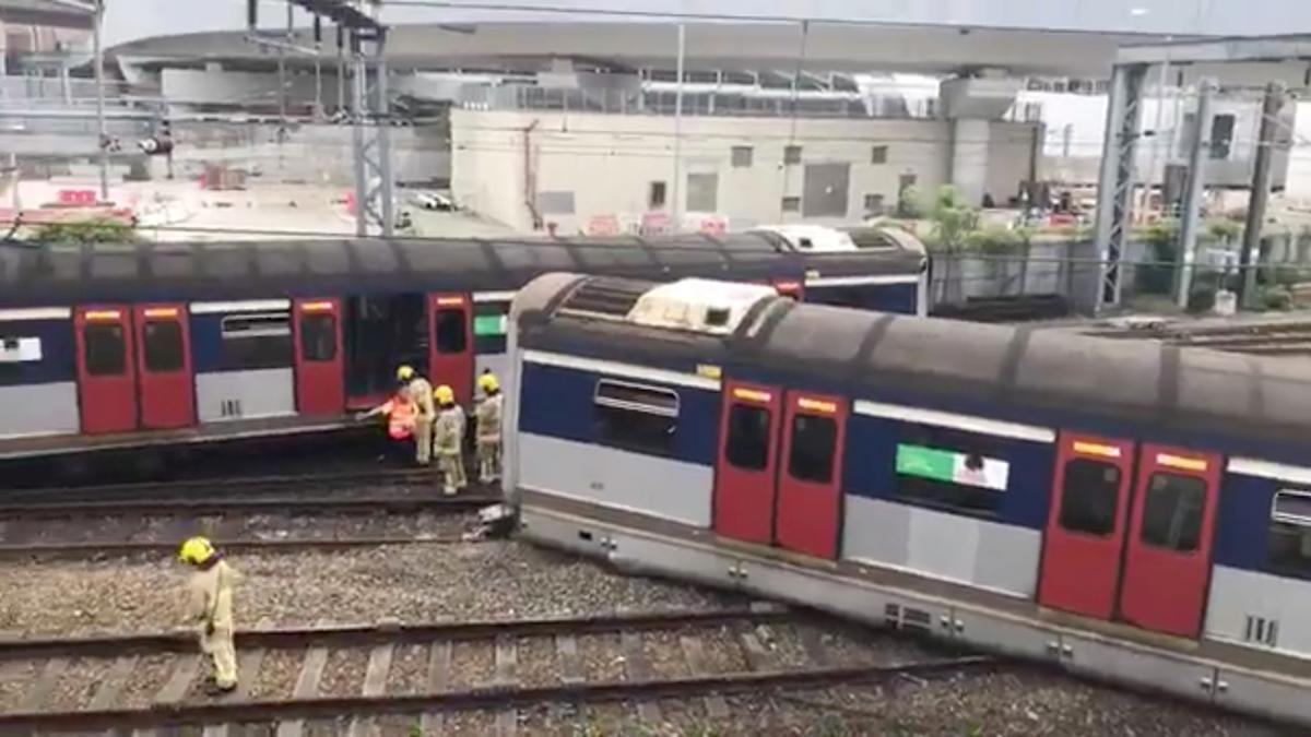 Agt beseerdes nadat die trein van Hong Kong in die spitsuur ontspoor het