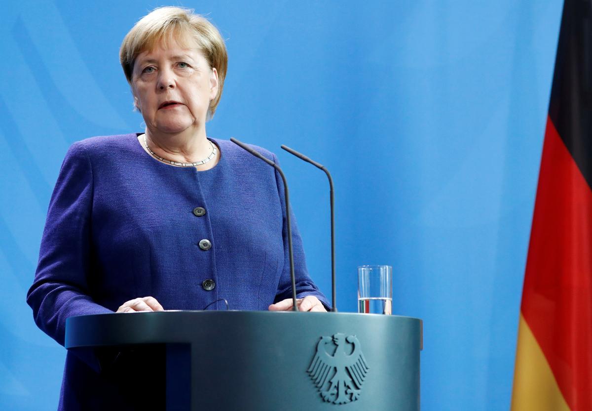 Merkel dring daarop aan om terug te keer na die kernooreenkoms van Iran om spanning in die Midde-Ooste te ontlont