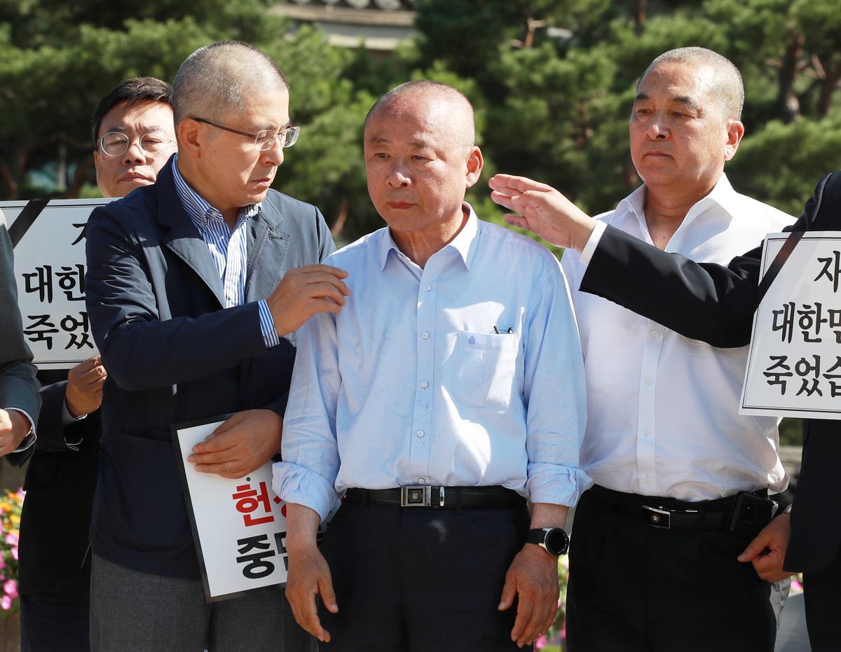 Suid-Korea-politici protesteer nou oor die minister van wetgewing
