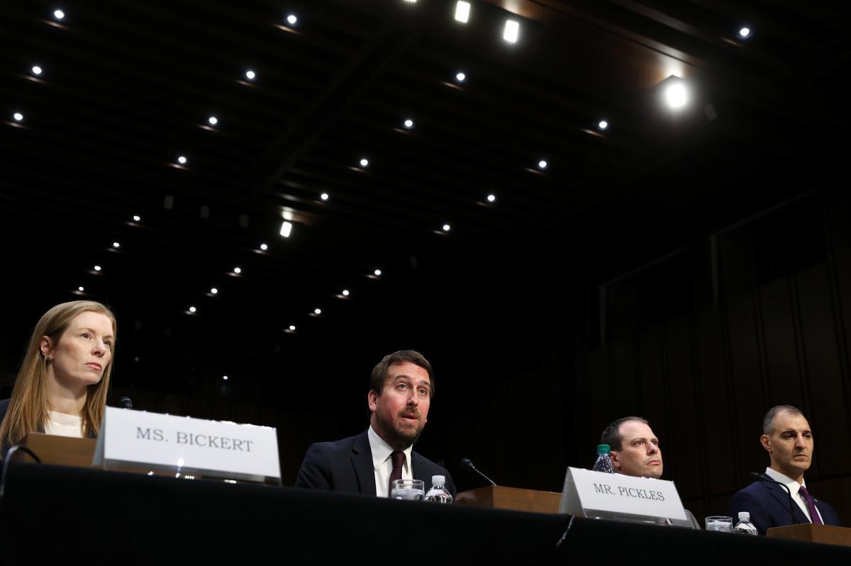 Amerikaanse sosiale media-ondernemings sê hulle verwyder gewelddadige inhoud vinniger