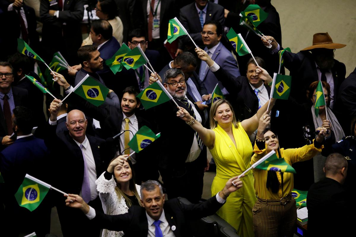 Brazil Senate leader offers to resign leadership post after police...