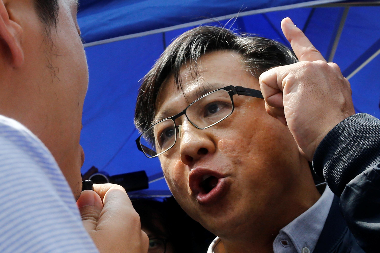 Imagine no Lennon Walls: pro-China groups to erase HK graffiti