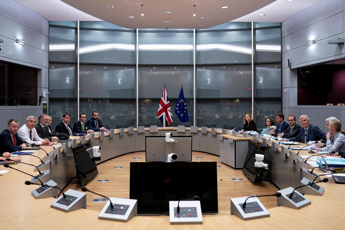 Britain and EU spar over Brexit as clock ticks down