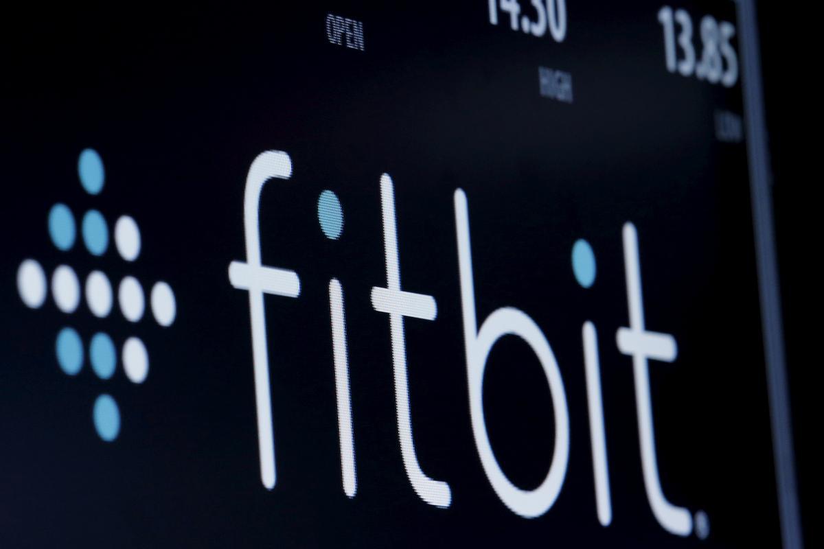 Eksklusief: Fitbit oorweeg of dit 'n verkoopsbron moet ondersoek
