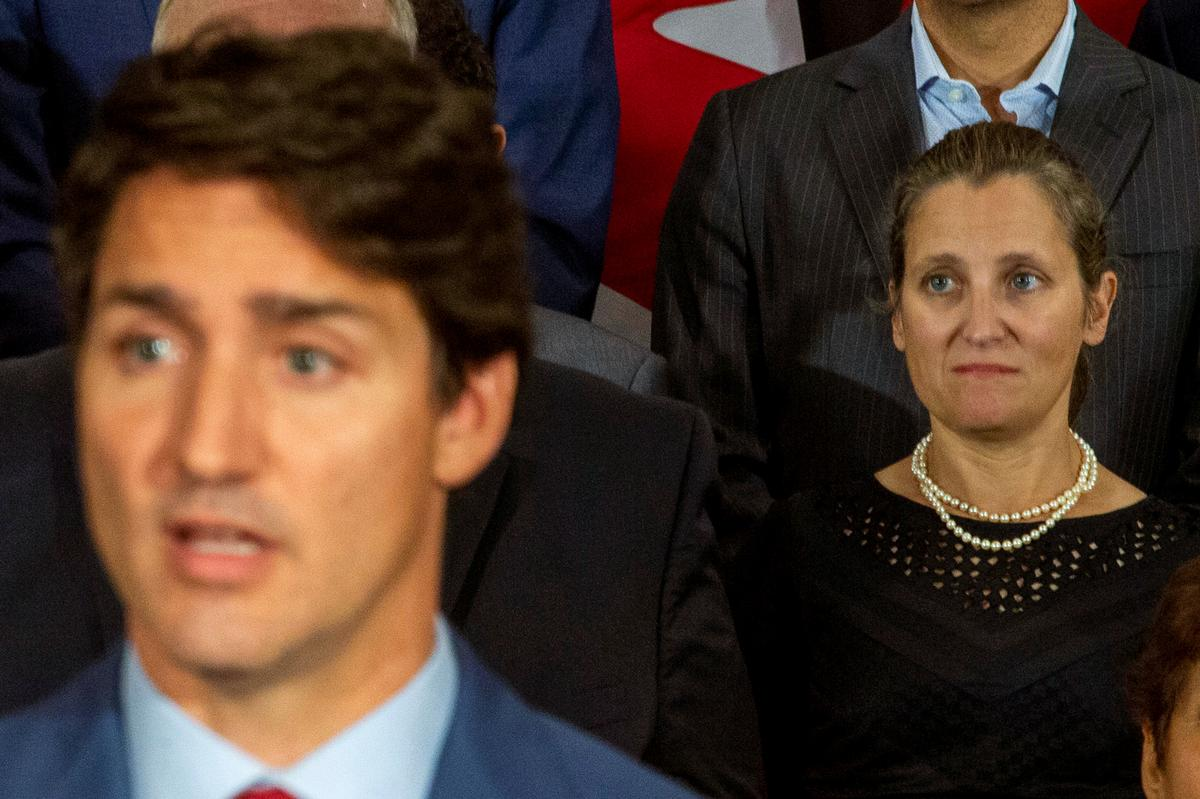Freeland van Kanada sê sy vertrou volle vertroue in premier Trudeau as leier