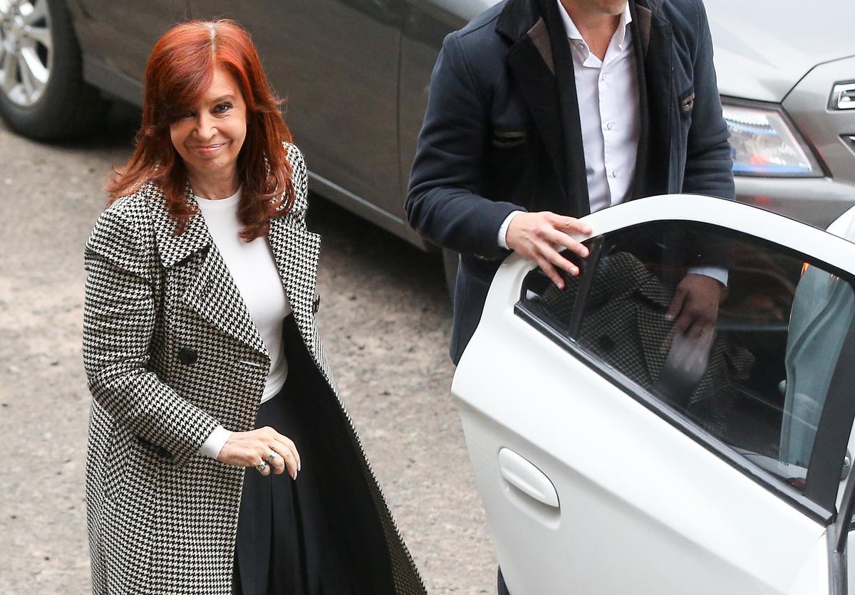 Argentynse regter beveel saak waarby oudpresident Fernandez verhoor word