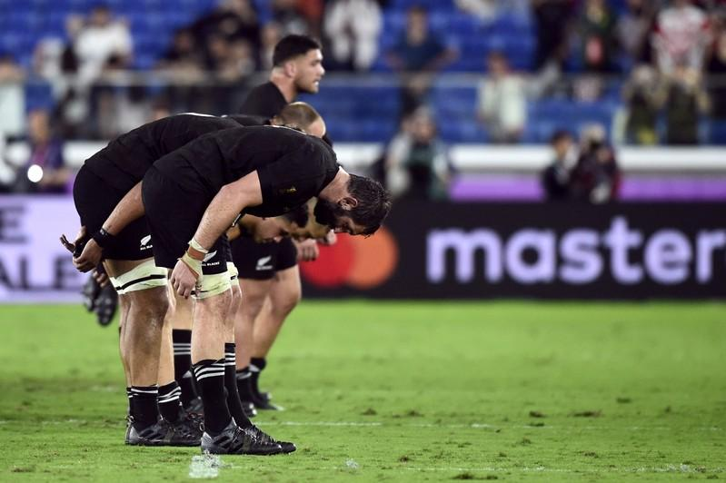 With heads bowed, New Zealand thank Japanese All Blacks