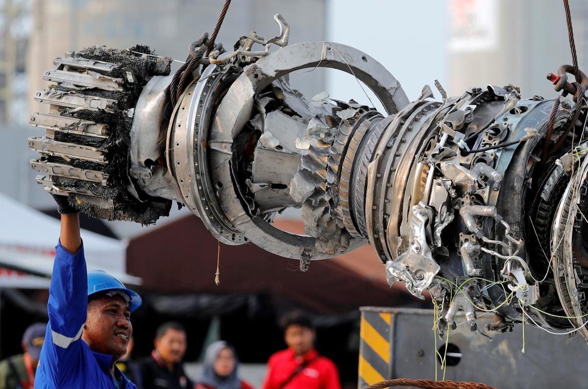 Indonesiese ondersoekers bepaal dat 737 MAX-ontwerpfoute en -verval in Lion Air-ongeluk val: WSJ