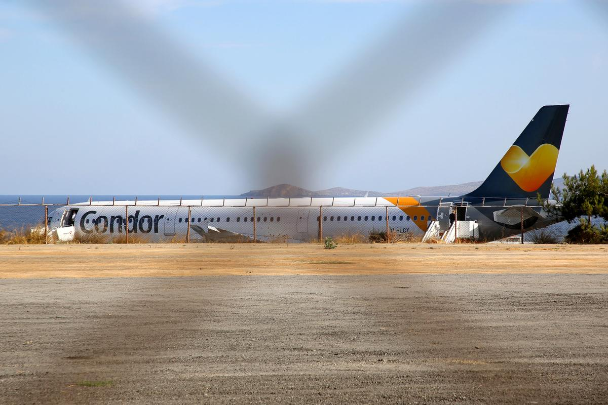 Thomas Cook's collapse strands about 50,000 in Greece, hotels fret