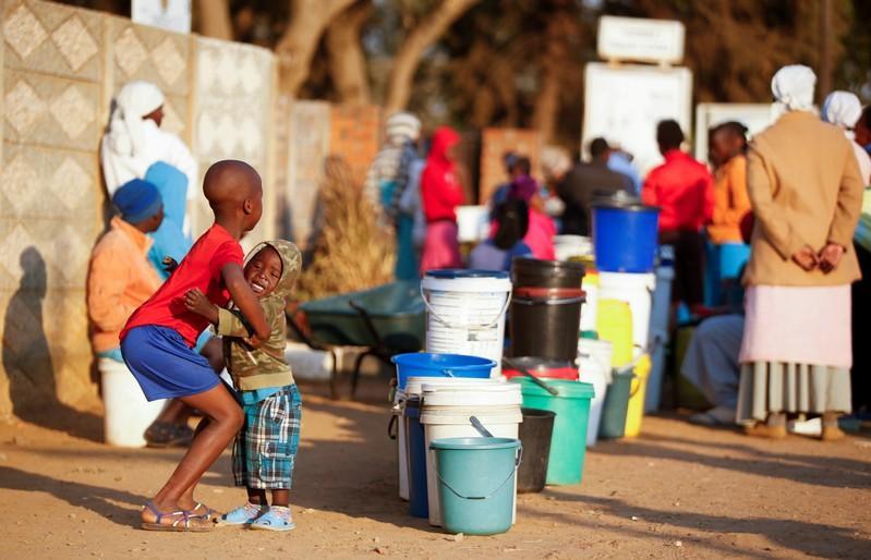 Zimbabwe capital city shuts main water plant, shortages loom