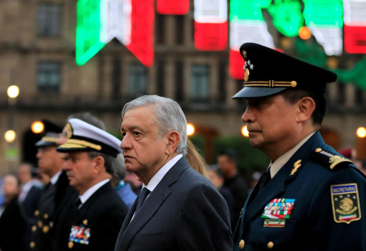 Mexican president praises historian at center of dispute with business leaders