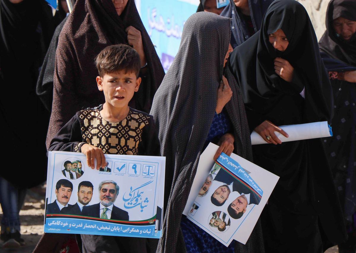 Factbox: Afgaanse kiesers praat voor die presidentsverkiesing Saterdag