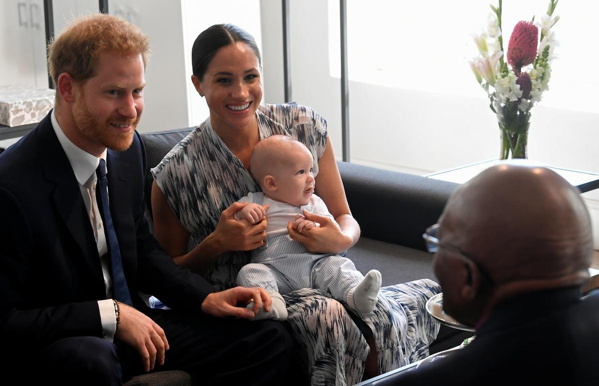 Die Britse prins Harry reis na Botswana vir die volgende been van die Afrika-toer