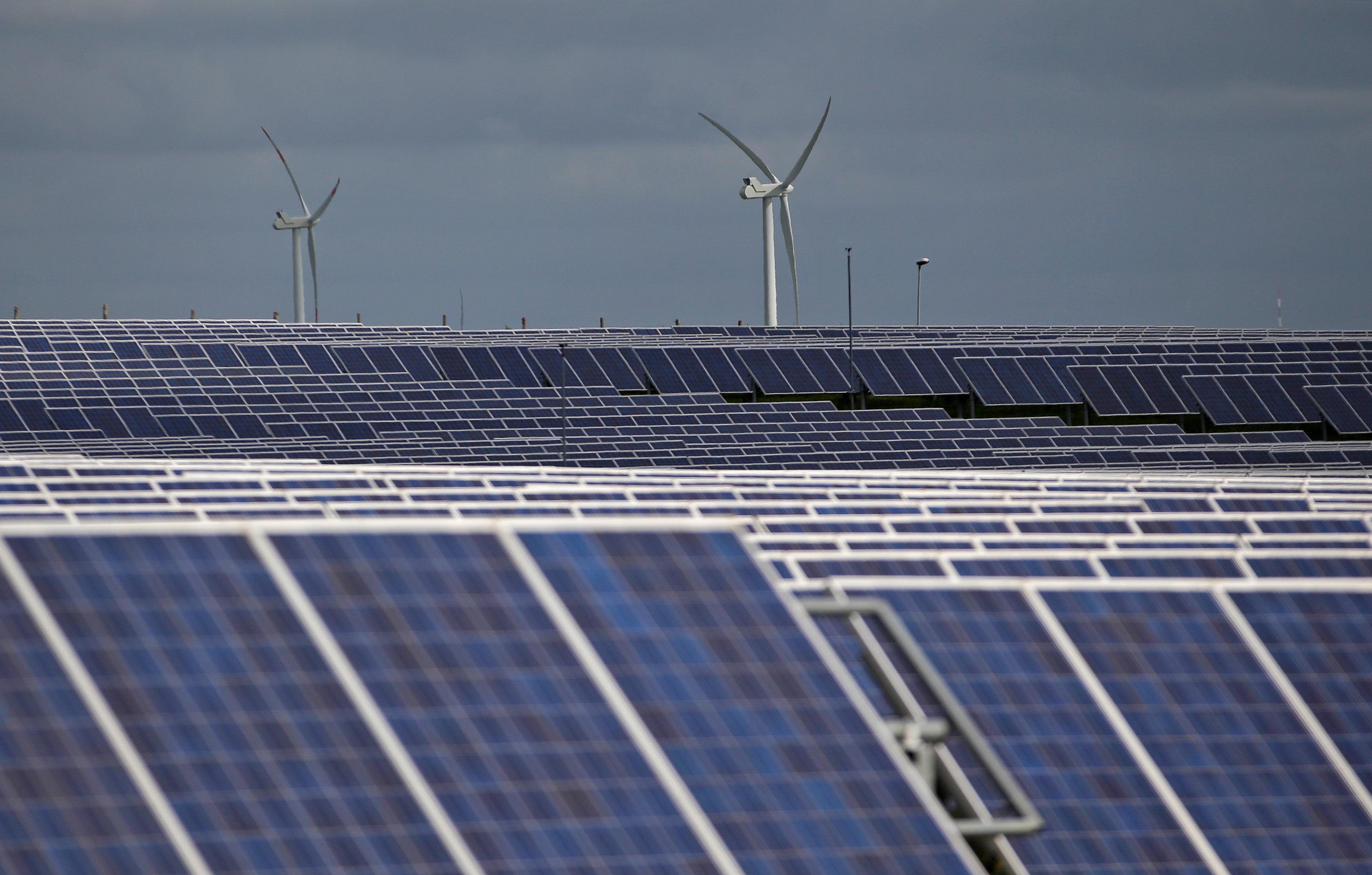 Column: Rising energy use to push CO2 far above target through 2050