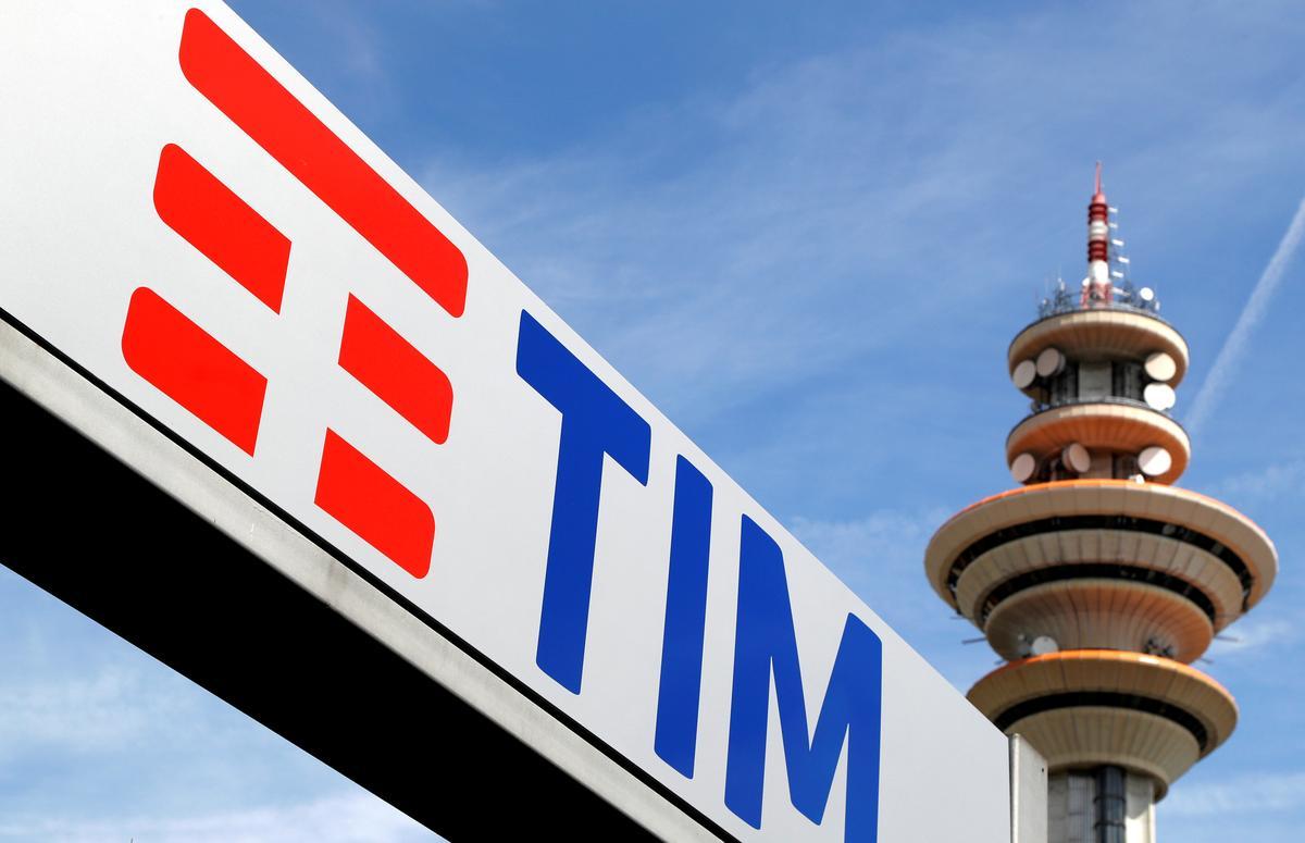 Voorsitter van Telecom Italia hou op nadat die vee van aandeelhouers bedaar