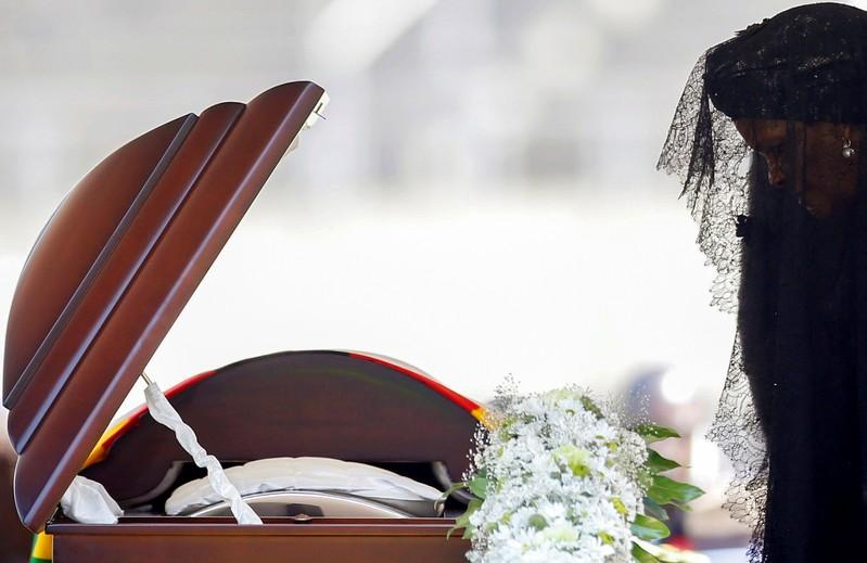 Mugabe's family wins tussle with government over burial site