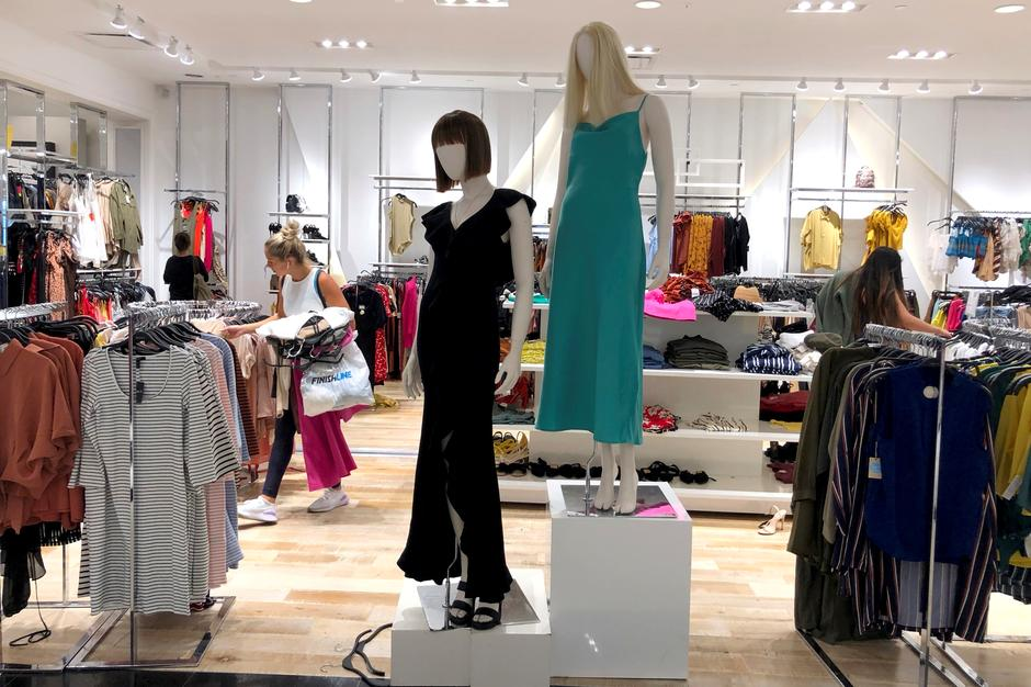 buy popular 09c41 2166a Forever 21 closing stores in bankruptcy filing shows limits ...