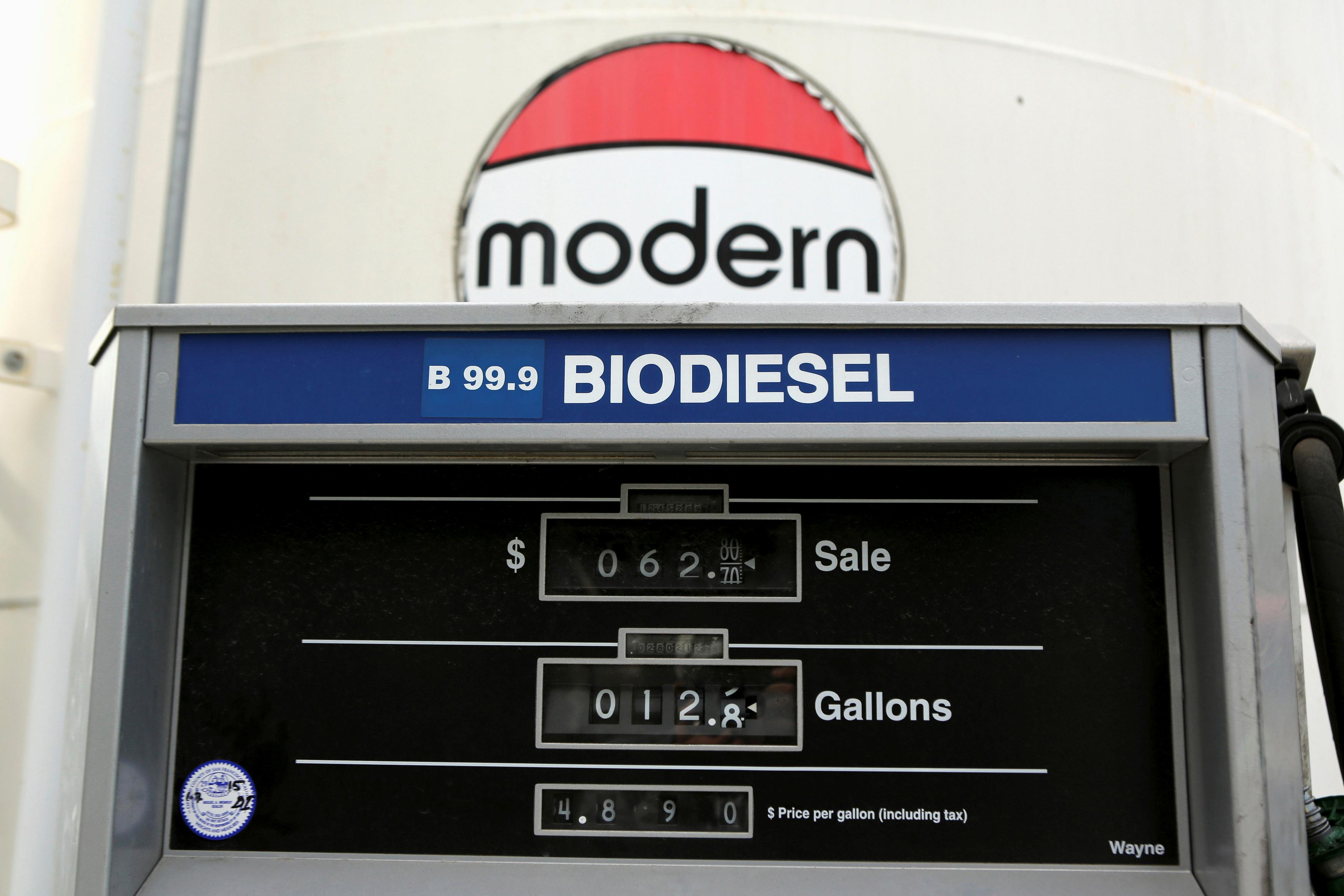 Trump administration close to finalizing biofuel deal: sources