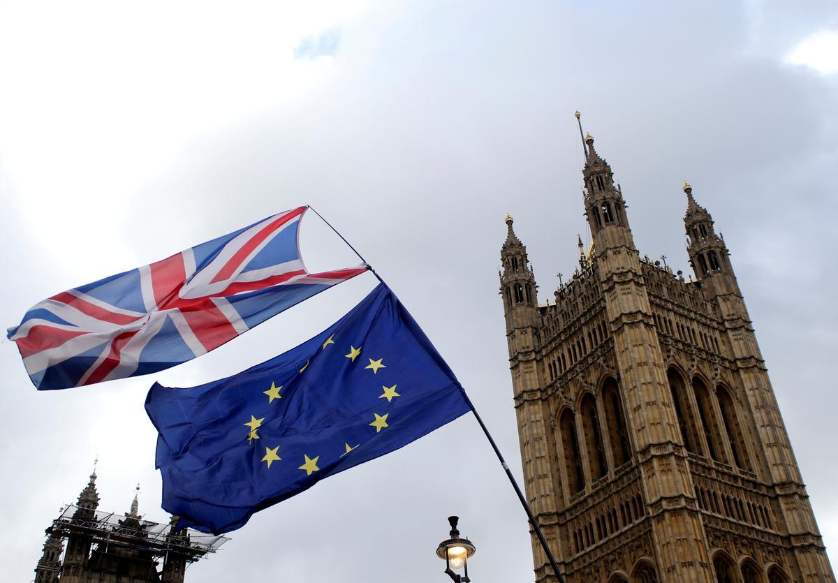 Wantrouige EU om Brittanje se jongste Brexit-aanbod te ondersoek
