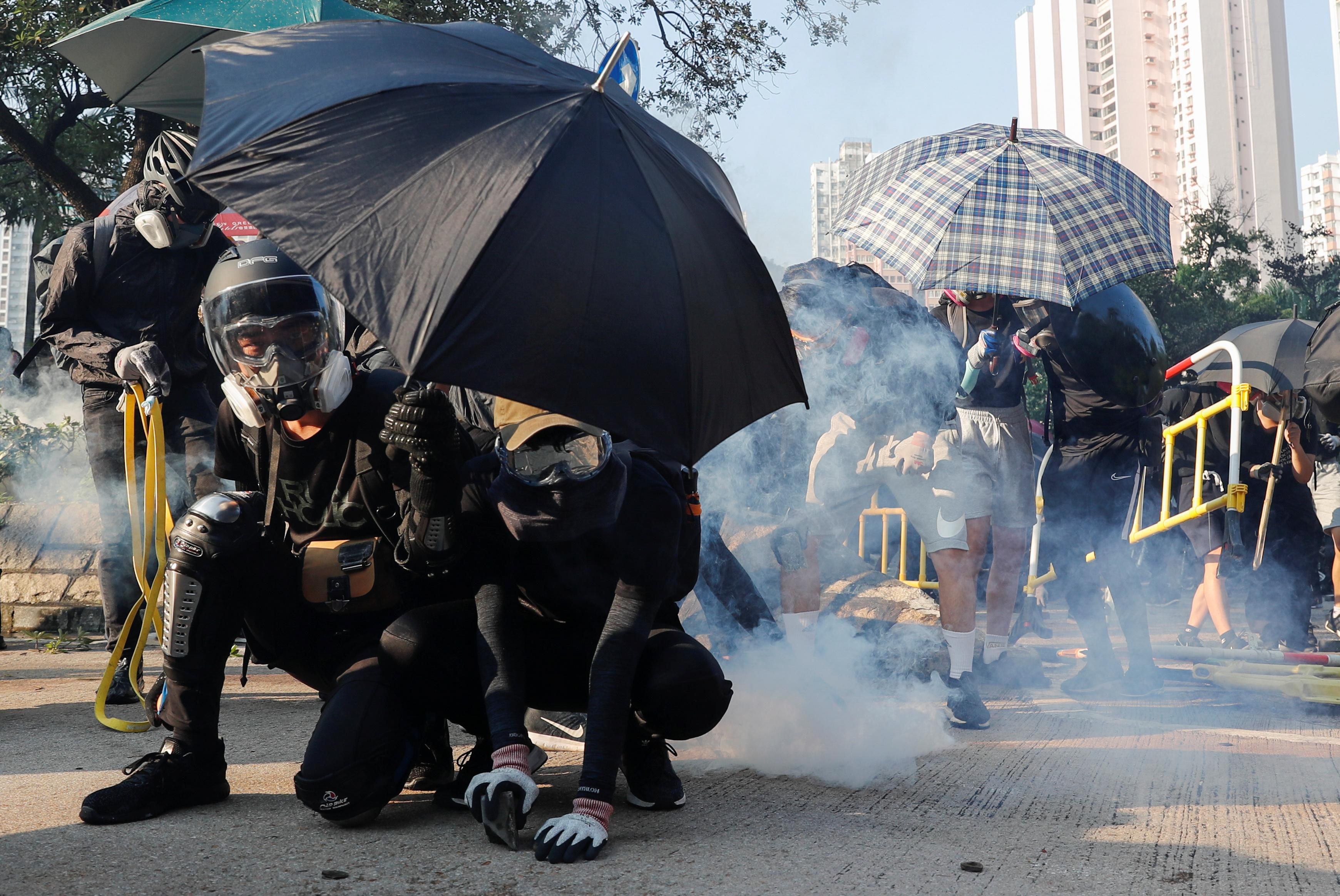Investors keep their faith in Hong Kong markets despite protests