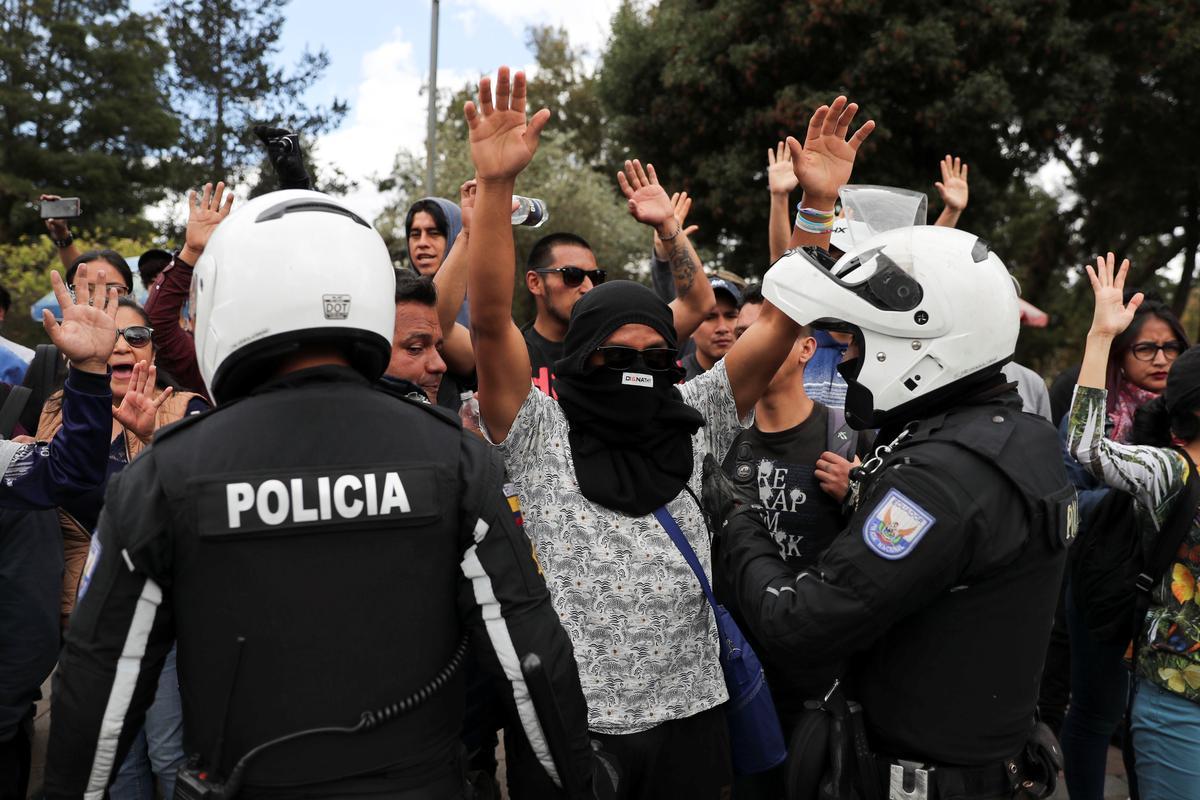Ecuador arresteer 350 mense binne twee dae van protes teen die soberheid