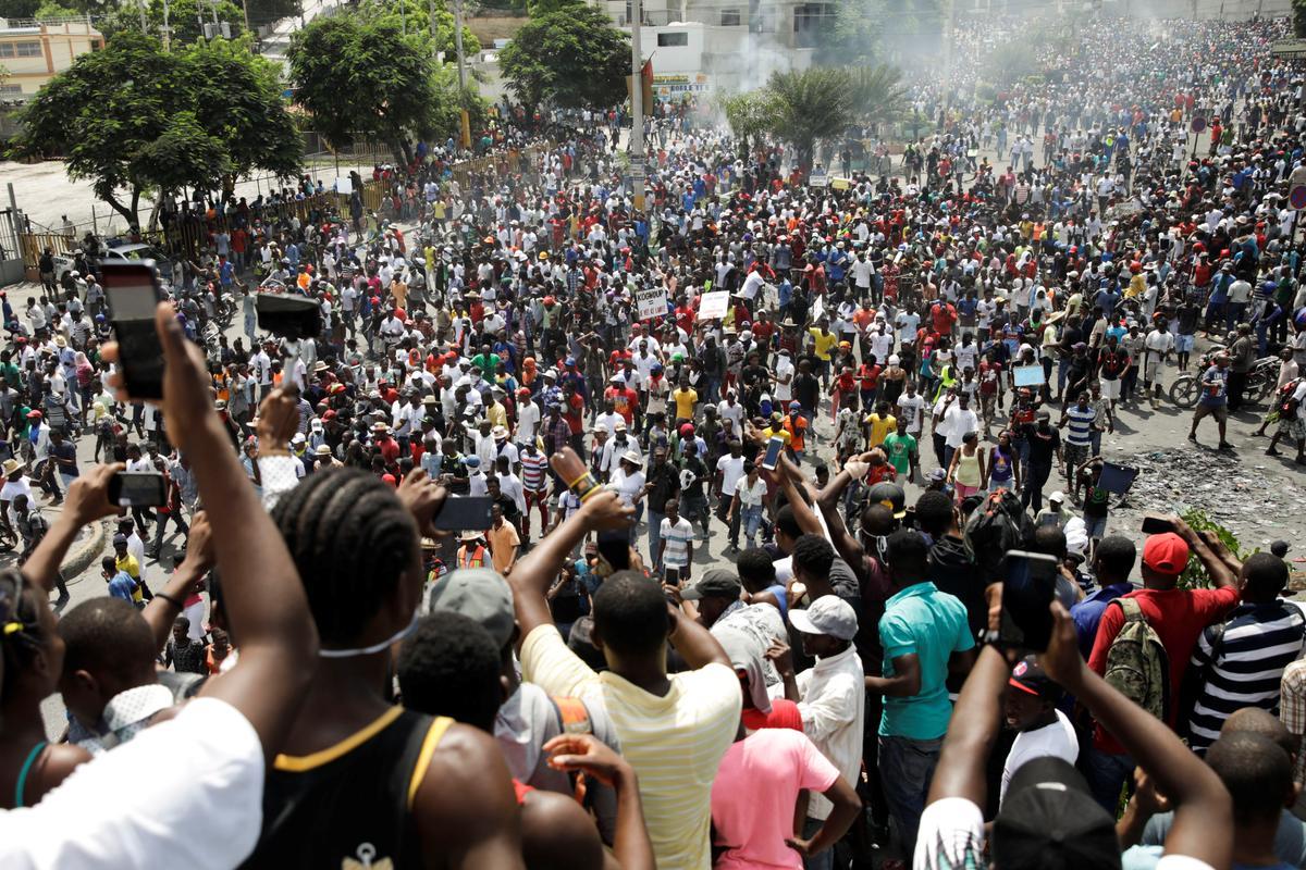 Haïtiaanse betogers bots met die polisie in 'n nuwe poging om die president te laat verdwyn