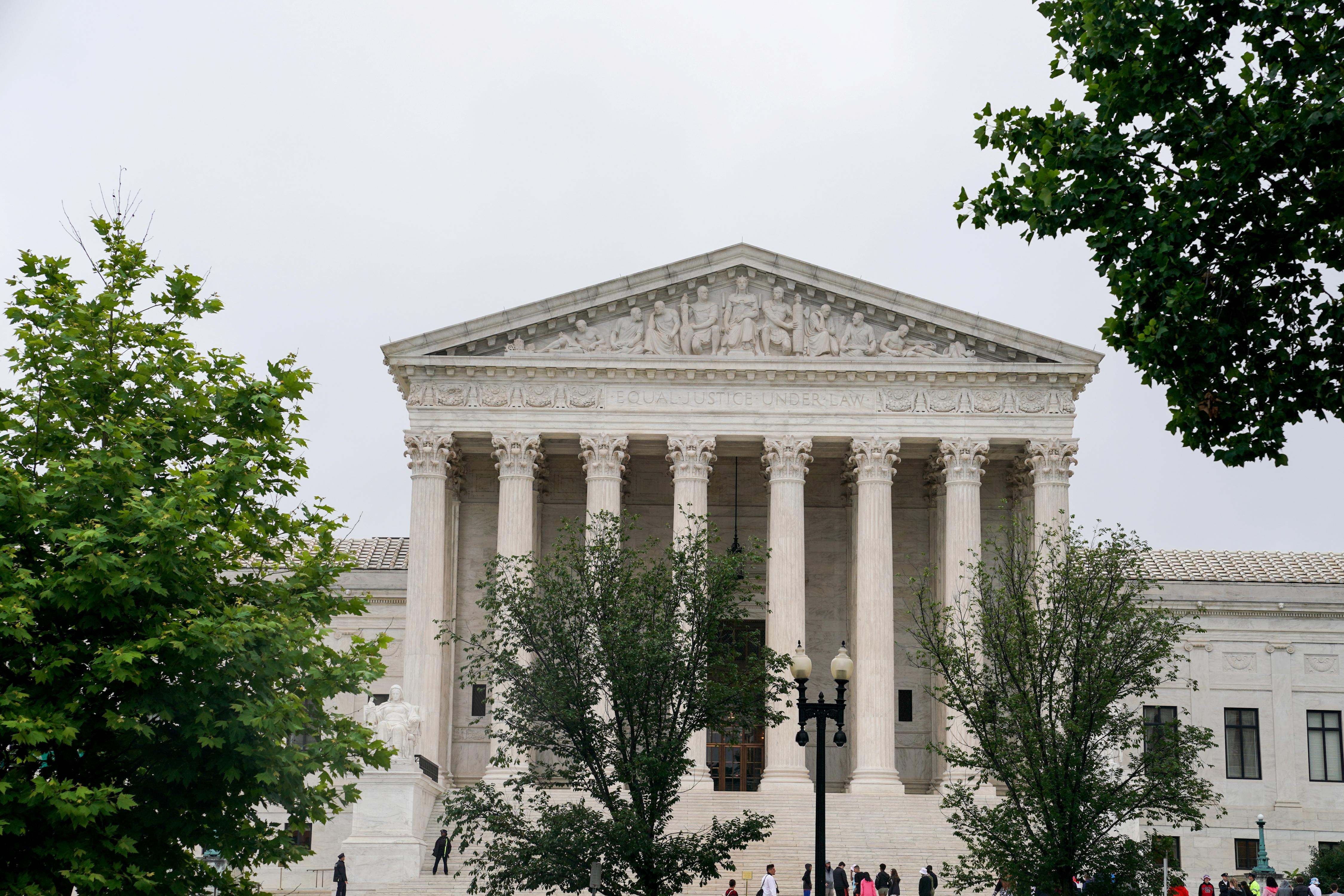 U.S. Supreme Court takes up fight over $7.5 billion natural gas...