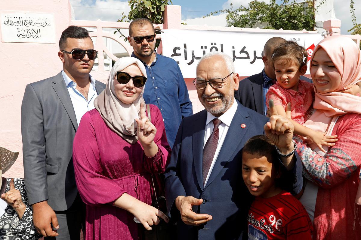 Uitgangspeil toon die Islamitiese Ennahda-party eerste in die verkiesing in Tunisië