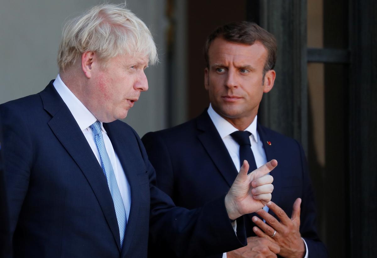 Brittanje se Johnson vra die Macron van Frankryk om 'Brexit' vooruit te stoot