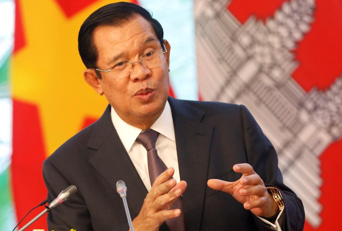 Kambodja se premier dreig om troepe te ontplooi as opposisieleiers terugkeer