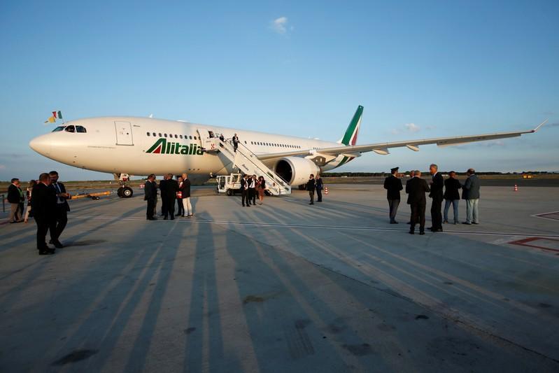 Lufthansa willing to take stake in Alitalia: Italian source