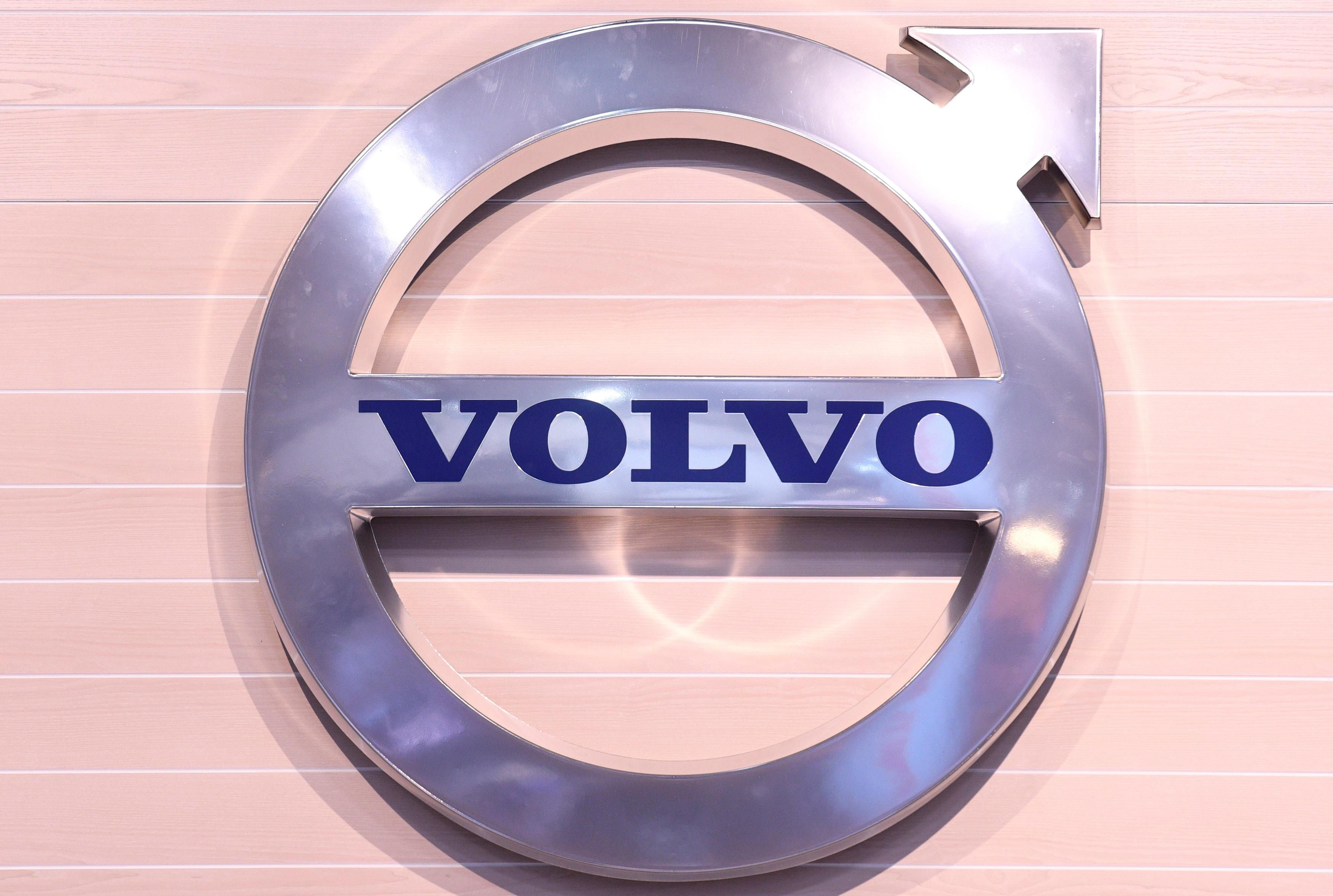 AB Volvo warns of demand slump as truck orders plunge